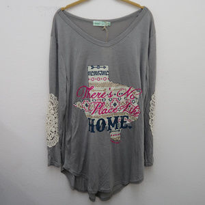 NWT Southern Grace Gray Crochet Sleeve Graphic Tee